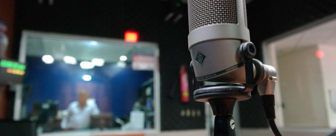 3105579-industry_macro_mic_microphone_music_recording-studio_sound.jpg