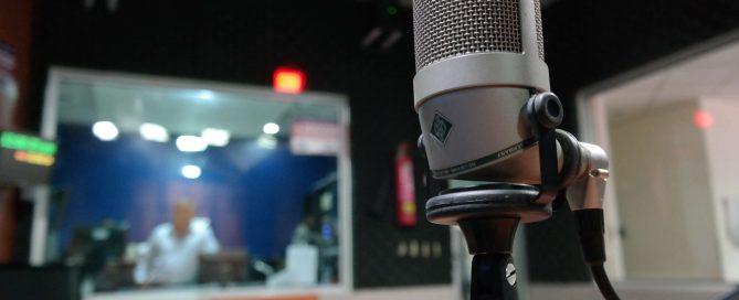 3105579-industry_macro_mic_microphone_music_recording-studio_sound.jpg